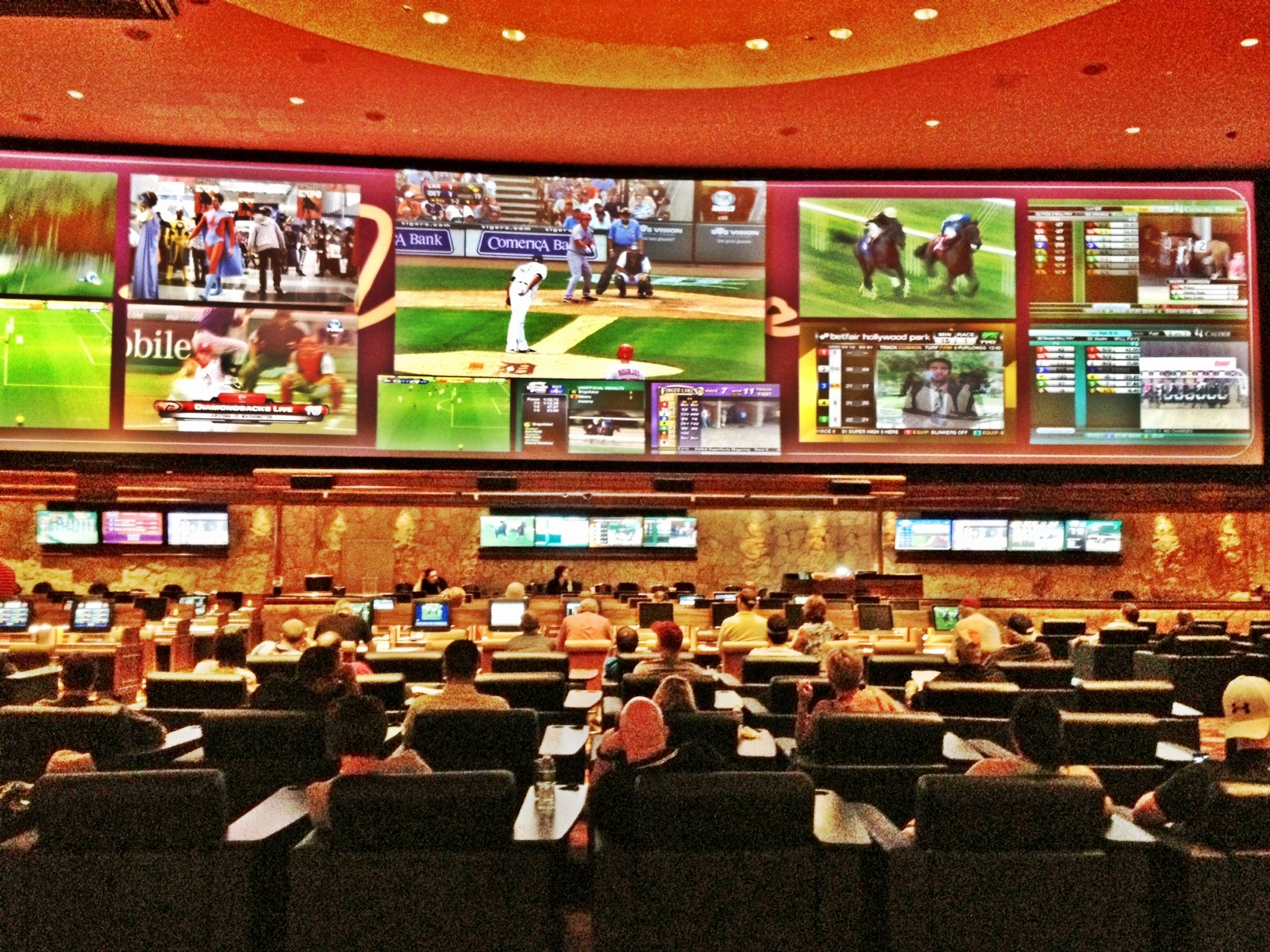 Best Las Vegas Sports Books 5 Great Places To Watch Nfl Ncaa