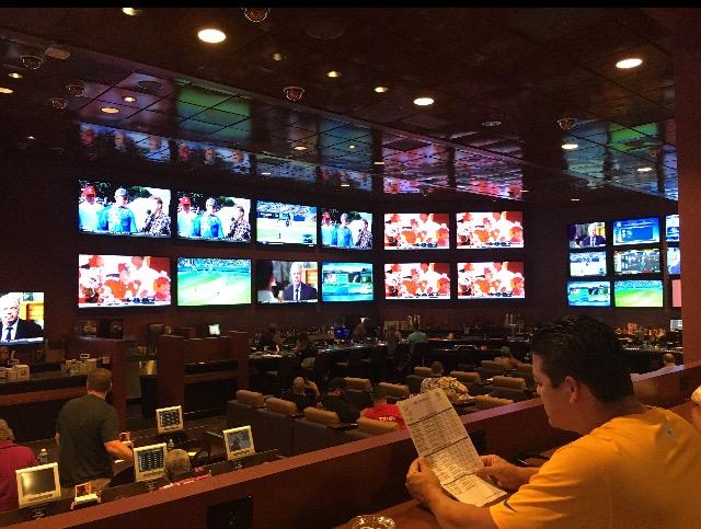 Las Vegas Sports Books - The Forgotten 3 Mid Strip - The